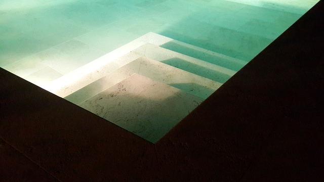 schody pod vodou